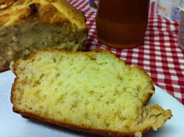 Pão sem glúten para o café da manhã