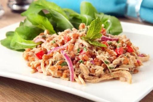 Salada de Trigo e Frango