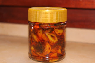 Garlic Pickle - Poondu Oorugai