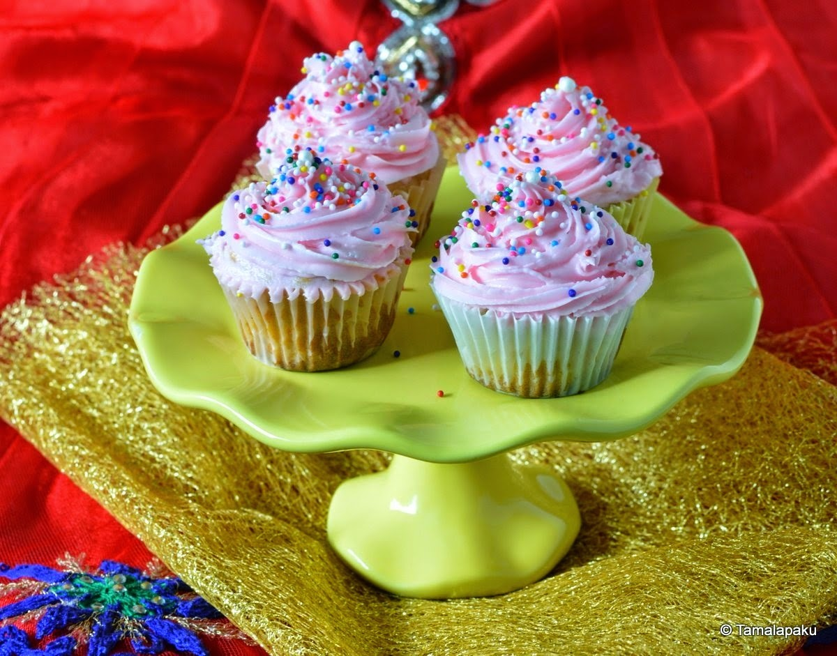 Eggless Carrot-Apple Cupcake