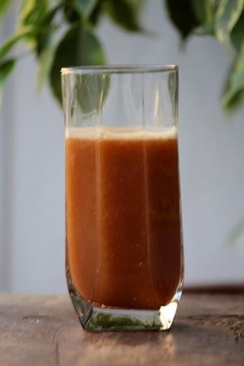 Suco de morango, couve e laranja
