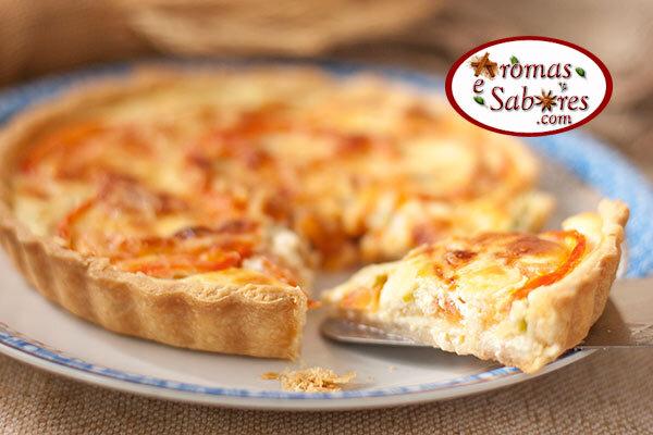 Quiche de abobrinha, queijo e tomate