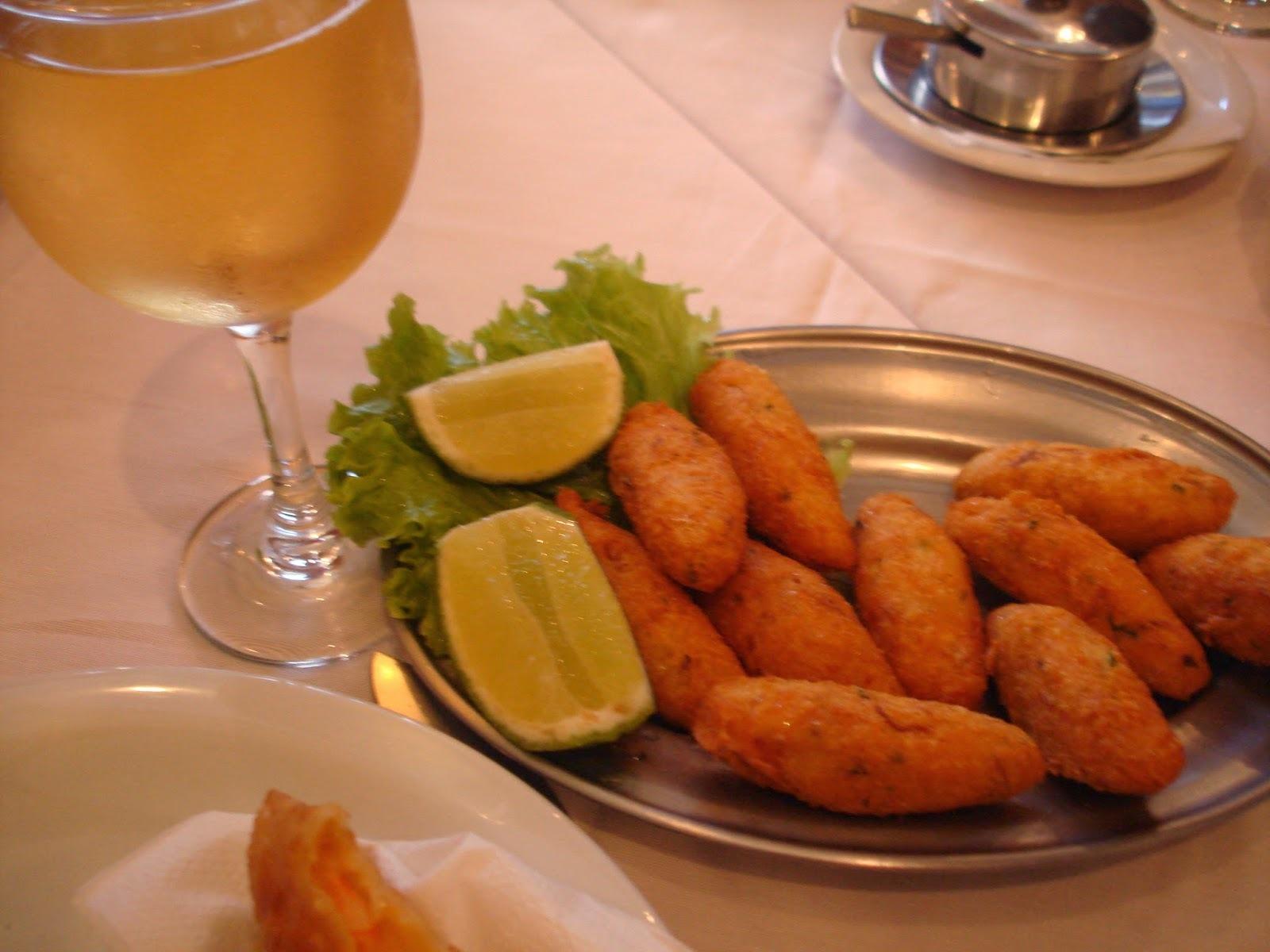 Bolinhos para Todos os Gostos - Aipim, Camarão, Carne, Queijo, Milho, Bacalhau, Arroz... - Todos Deliciosos!)