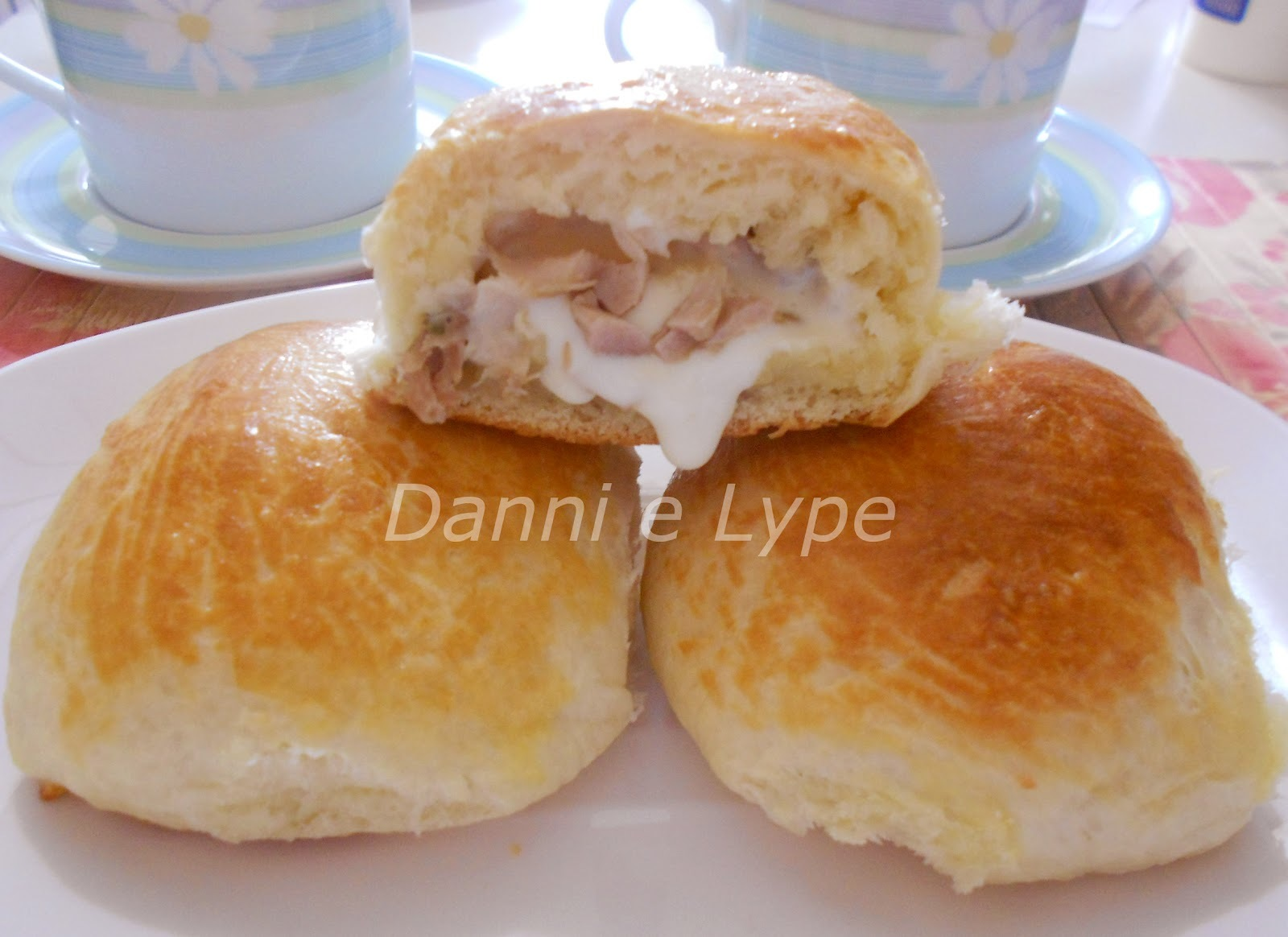 Pão de Iogurte Recheado com Frango