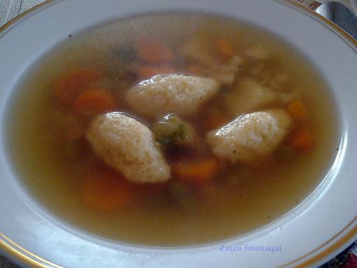 Grízgombóc leves
