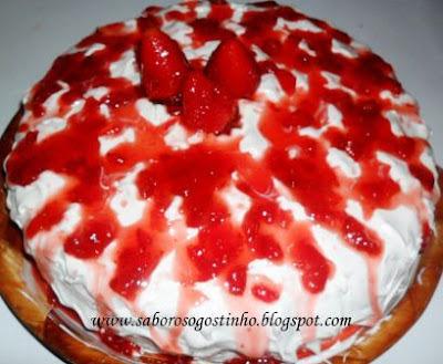 bolo de emustab com recheio de bolo com doce de leite