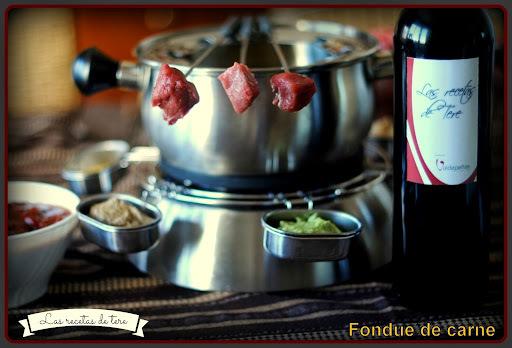 Exquisita fondue de carne.