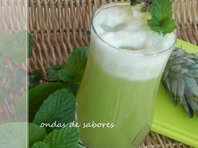 Suco de Abacaxi com Hortelã... deliciosamente natural