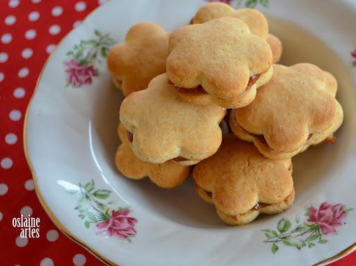de biscoito de amido de milho amanteigado com leite condensado sem ovo