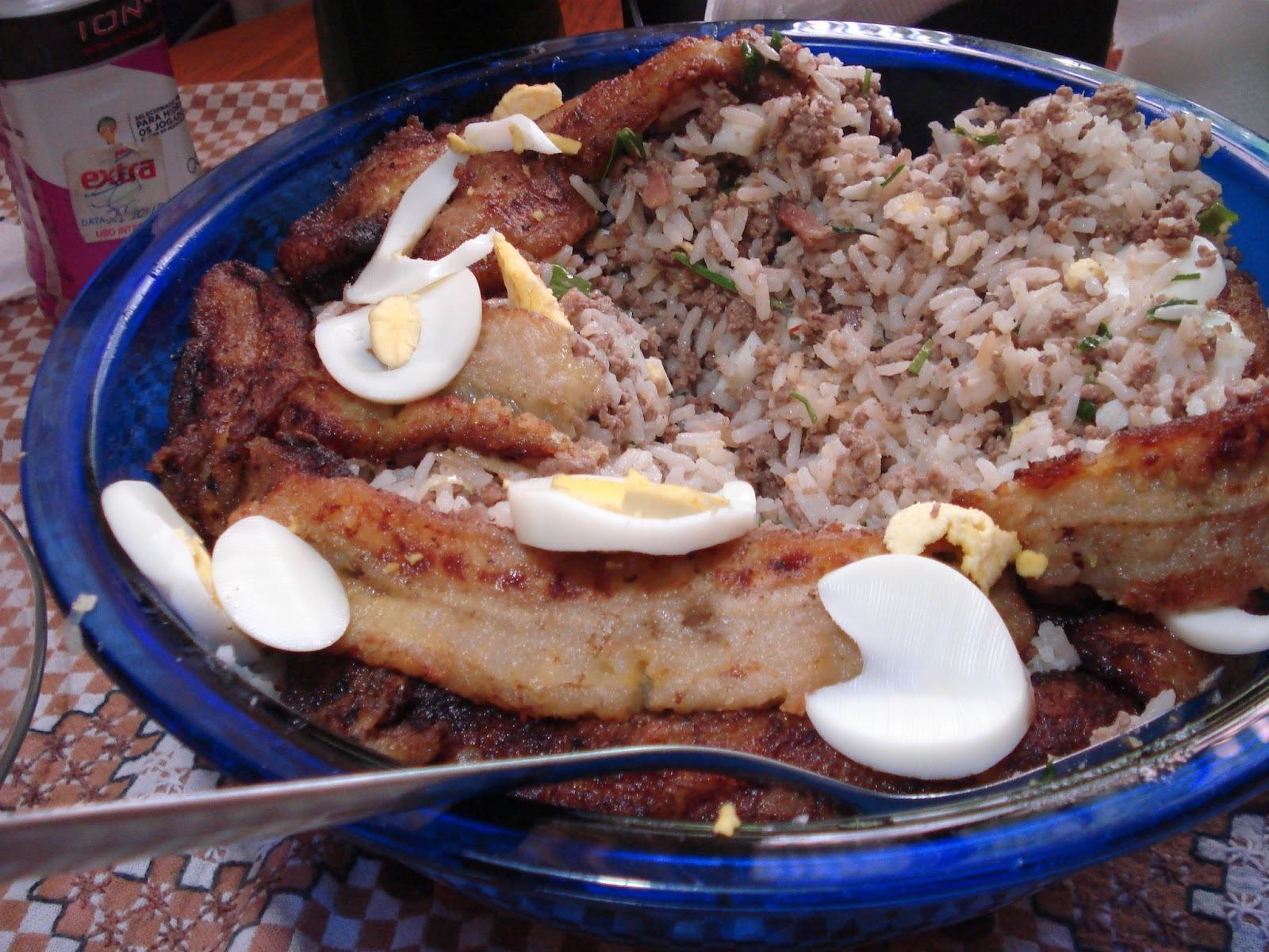 Salada de beterraba e Arroz com carne e banana... São O Prato Do Dia