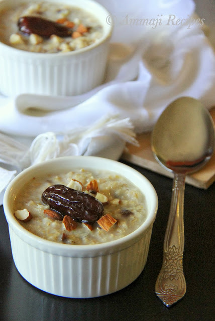 Quick Oatmeal with Honey & Dates
