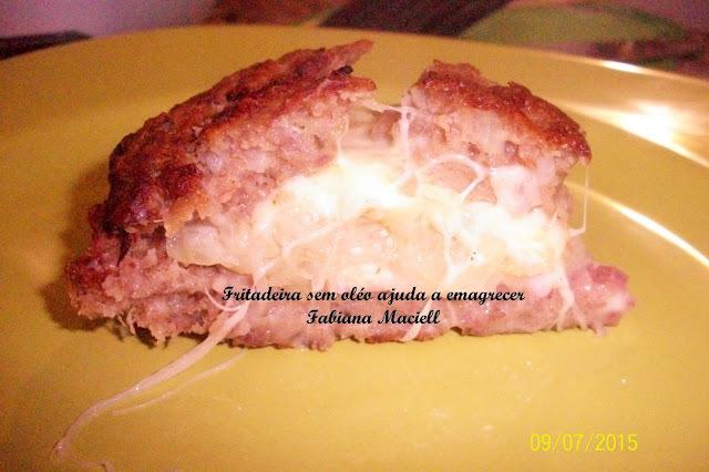 Torta de carne moida recheada com repolho e queijo na Fritadeira sem óleo AirFryer