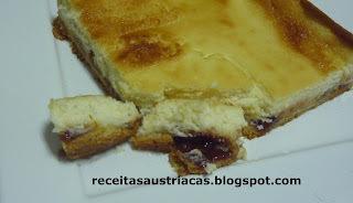 TORTA MINEIRA DE RICOTA COM GOIABADA – Käsekuchen mit marmelade