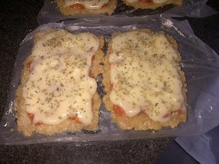 """Pizza vegana con """"pseudo-queso de papa"""""""