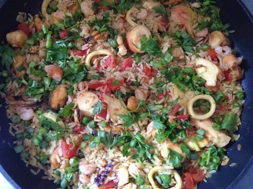 paella de frutos do mar para 12 pessoas