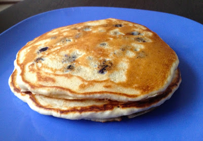 Hot cakes con moras azules - Blueberry Pancakes (20 minutos)