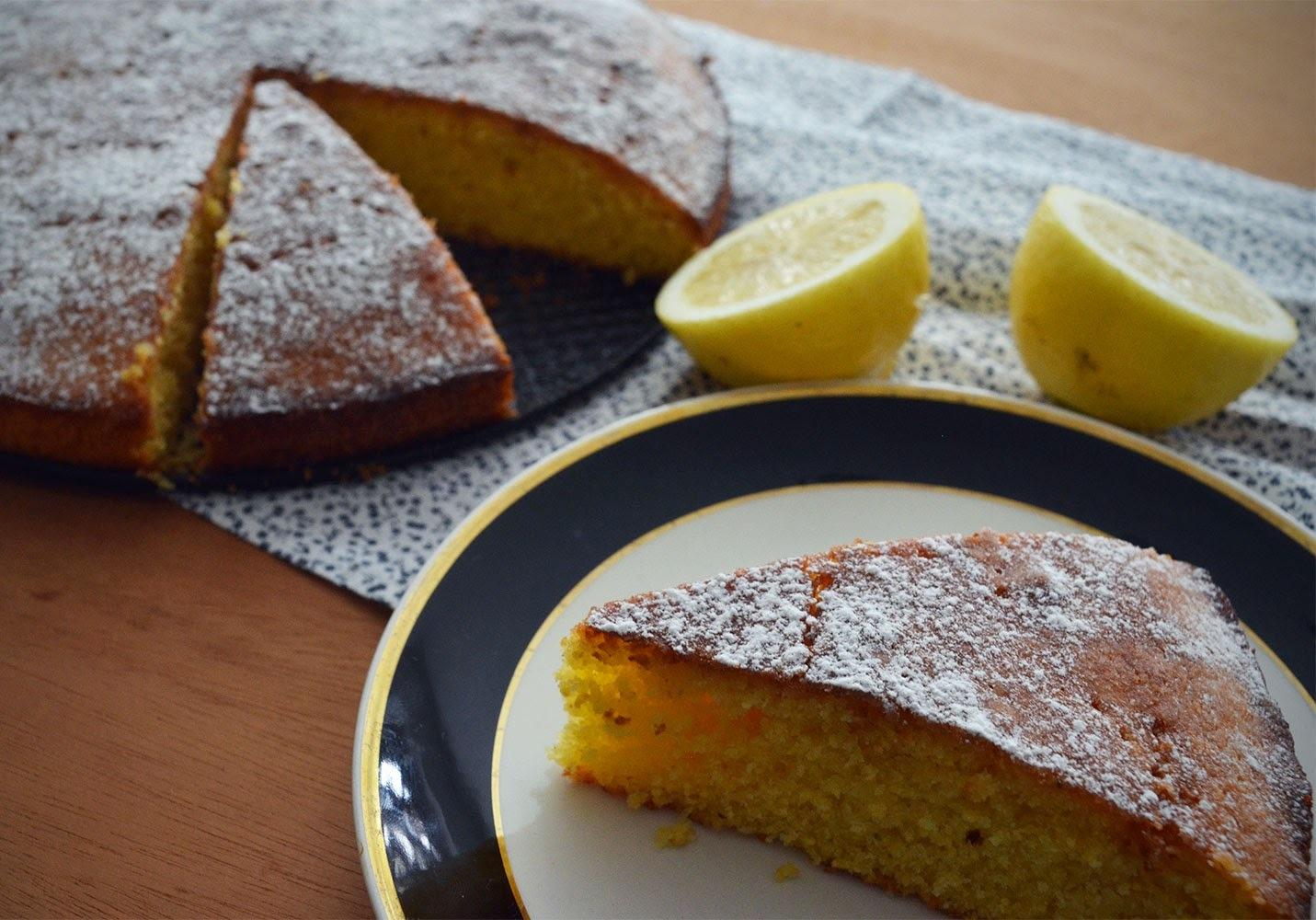 Torta de Polenta con Limón y Lavanda