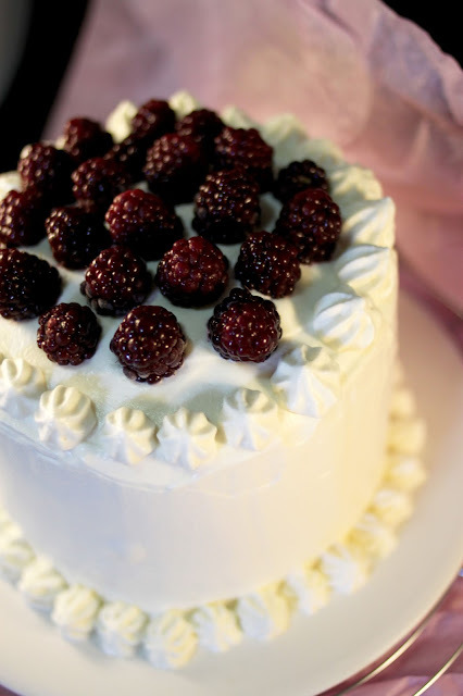 Layer cake Chantilly & Mûres sauvages