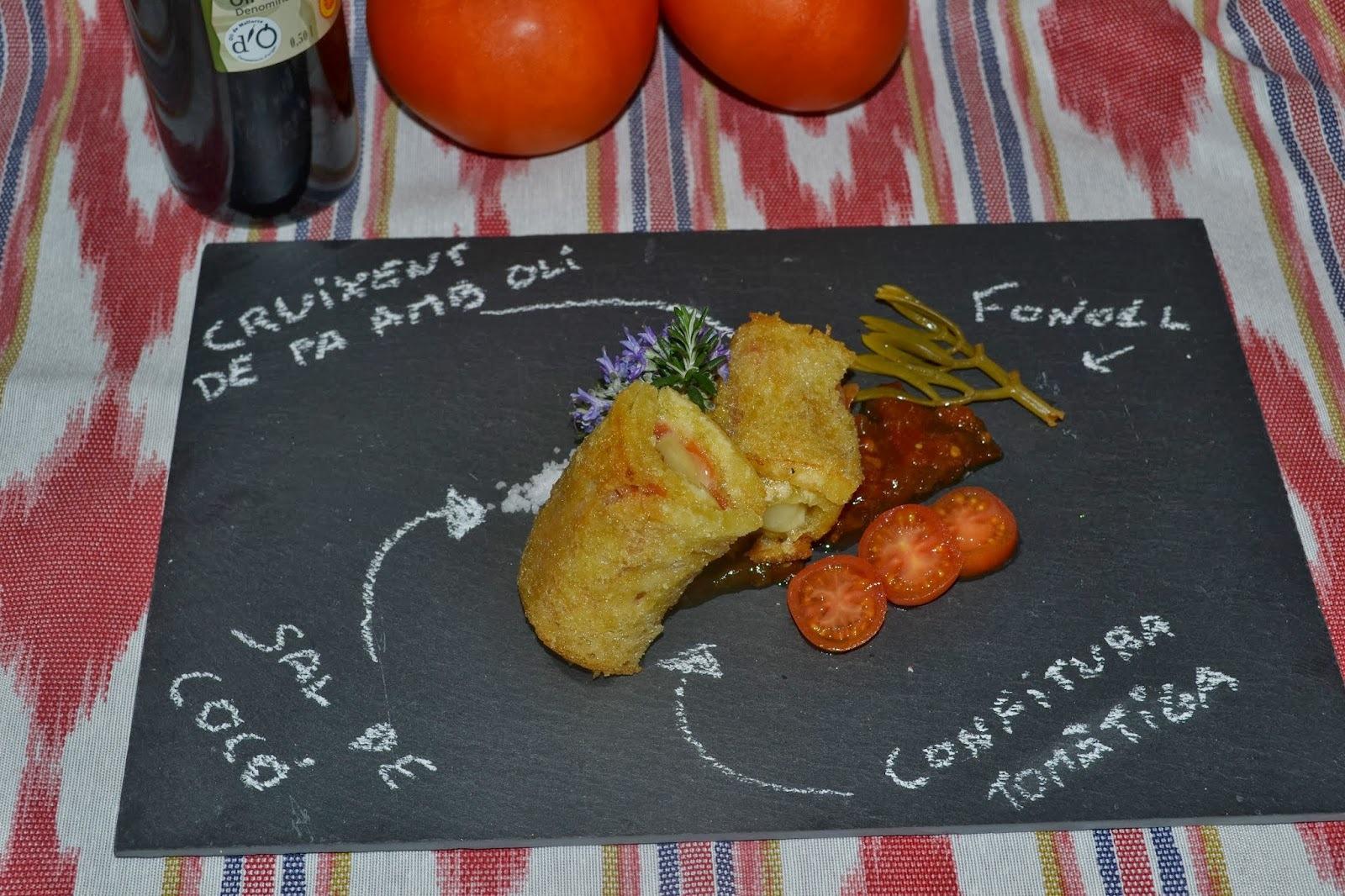 Cruixent de pa amb Oli D.O Oli de Mallorca amb formatge maonés i confitura de tomàtiga