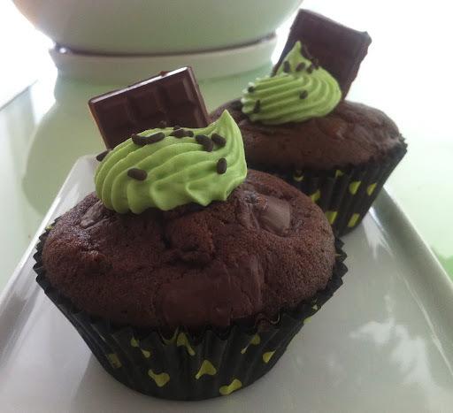 """Muffins au chocolat & crème pistache """"façon cupcakes"""""""