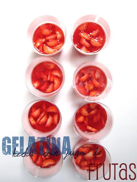 Gelatina hecha con jugo de fruta