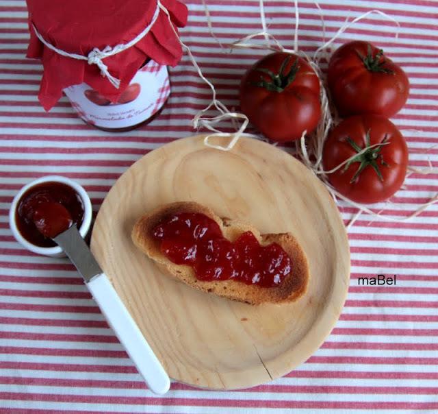 Mermelada de tomate envasado