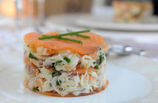 Mille-feuilles saumon fumé et crabe