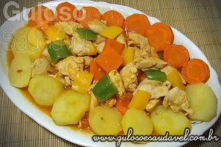 como fazer galinha cozida com batata