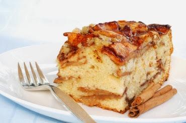 bolo de maça com canela e farinha de rosca