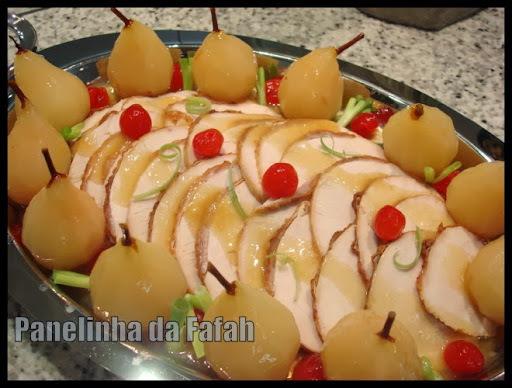 Peito  de  Peru  com  Peras  em  Calda -   Receitas para o Natal!