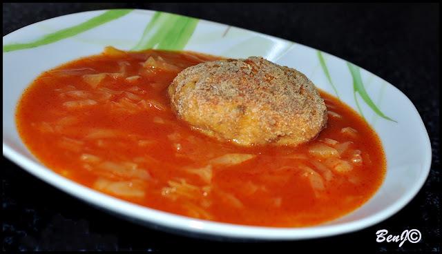 paradajková kapusta s fašírkou