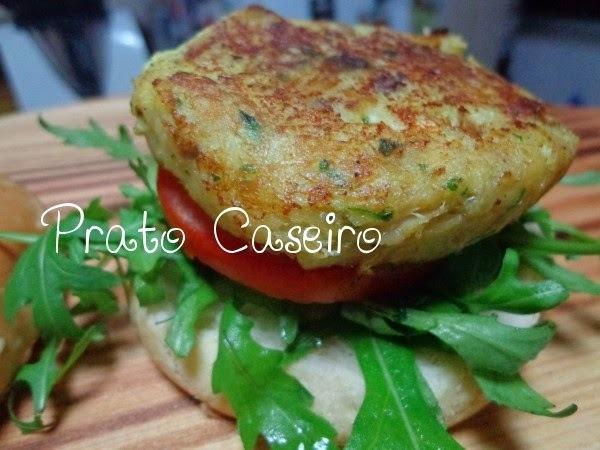 Hambúrgueres de bacalhau e azeitonas