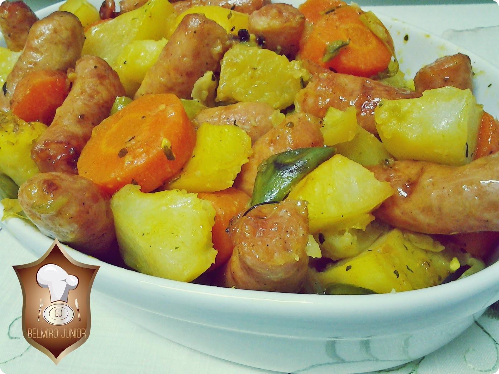 Linguiça Assada com Legumes ao Forno