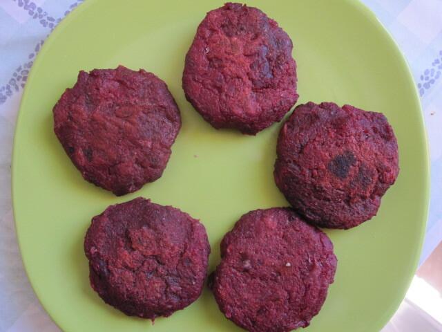 Mini hamburguers de beterraba