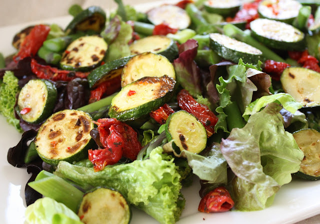 A perfect salad for a party, and some Xmas ideas...