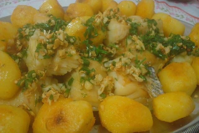 Lombo de Bacalhau no Alho ao Forno com Batatas