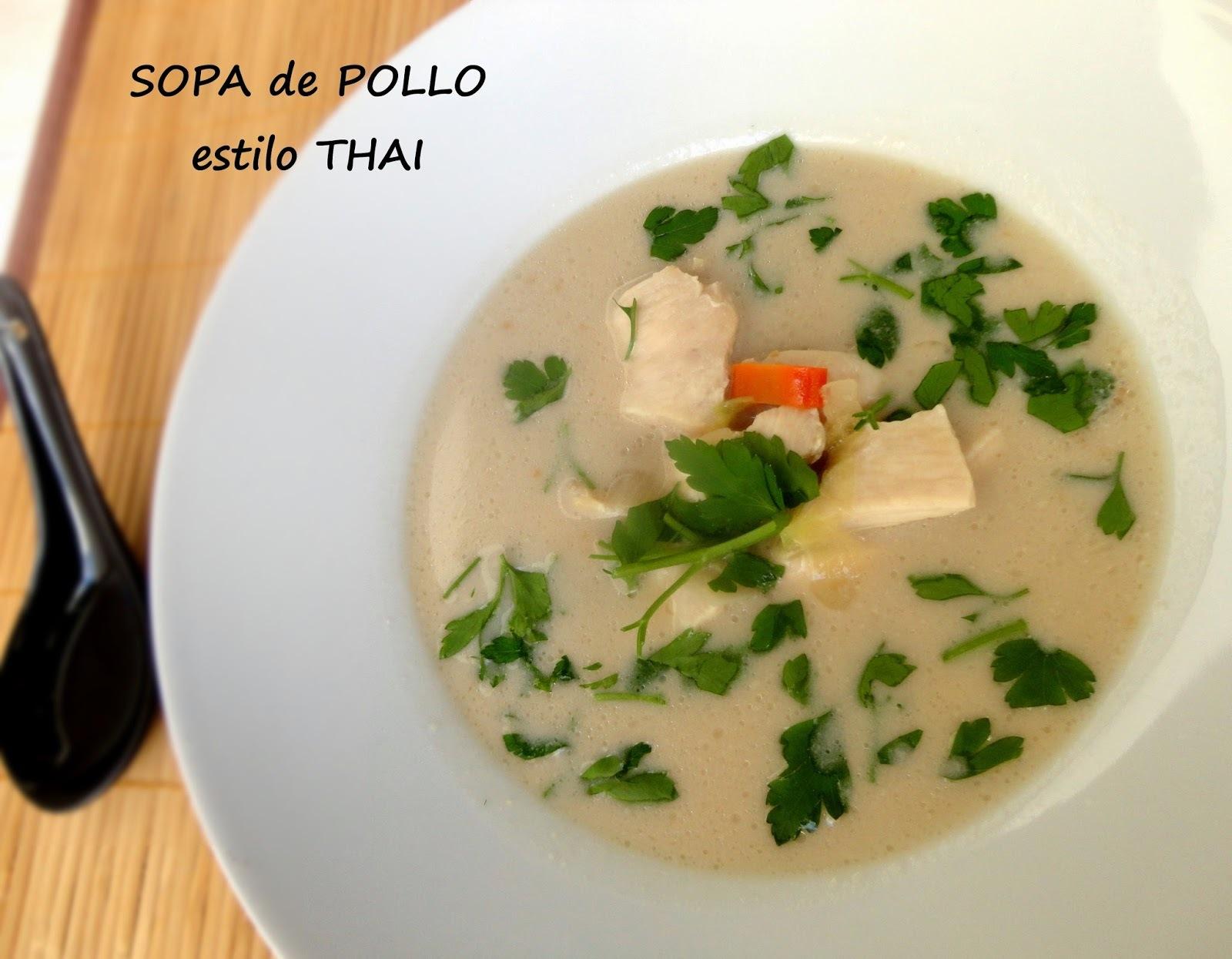Sopa de Pollo Thai