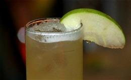 Drinque sem álcool de abacaxi e limão: conheça o Baby Jane