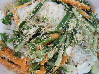 de salada de pepino japones com bifum
