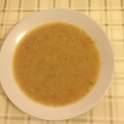 Sopa de legumes com carne para congelar