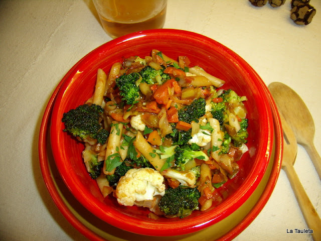 Plumas de la huerta o pasta con verdura de l'horta