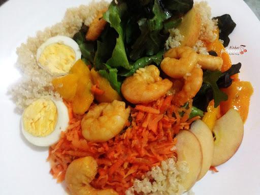 Salada de Camarões e Quinoa