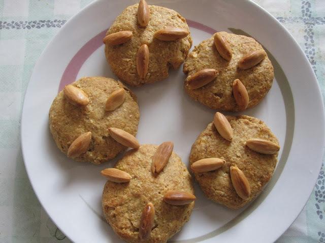 Biscoitos de laranja e amêndoas