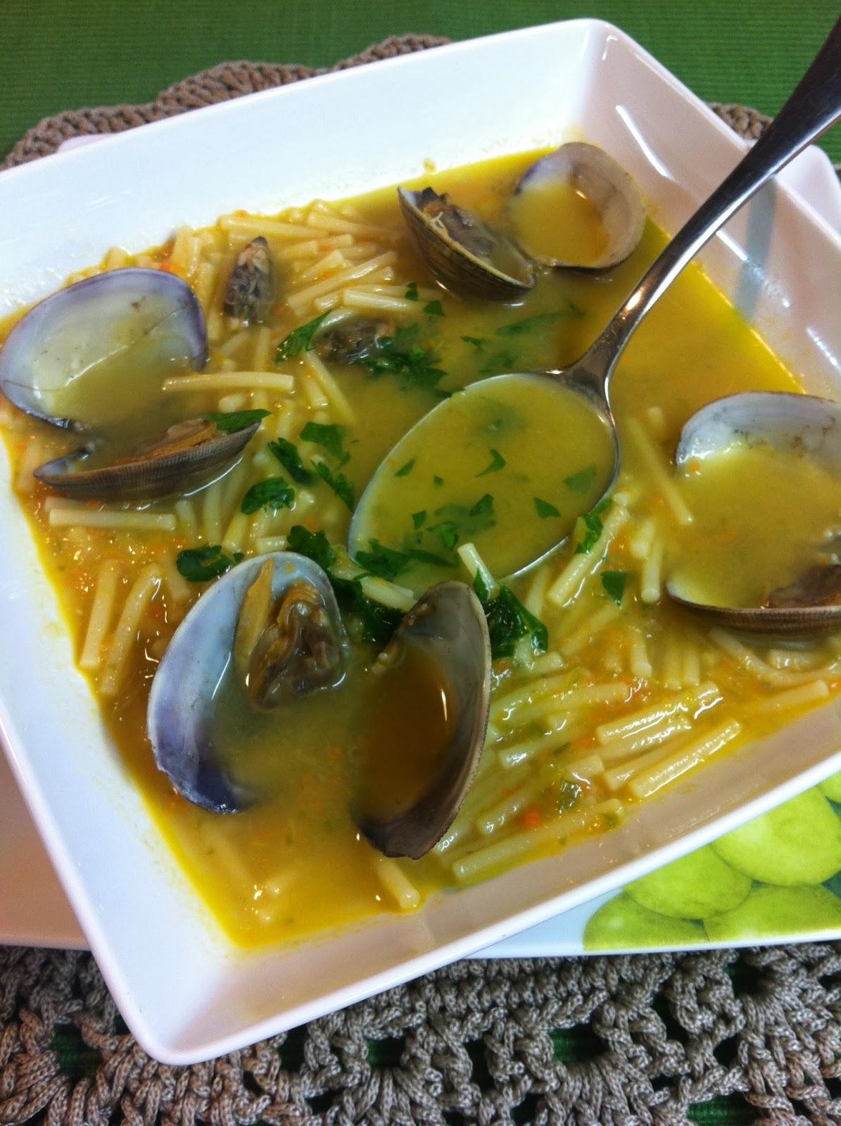 Sopa Cremosa De Fideos Con Almejas
