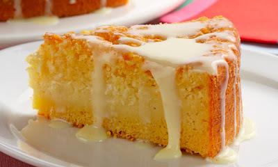 bolo de queijo com coco ralado e leite condensado