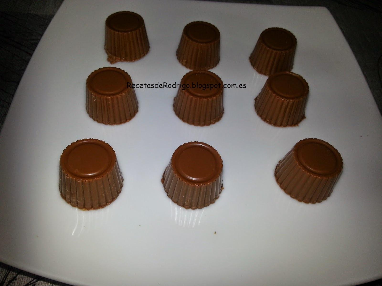 Repostería - Bombones - Bombones de chocolate con leche con pasta de avellanas y dulce de leche