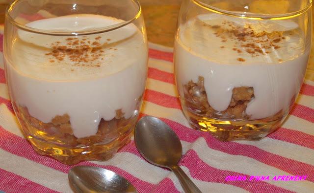 Postres de iogurt i galetes amb Baileys