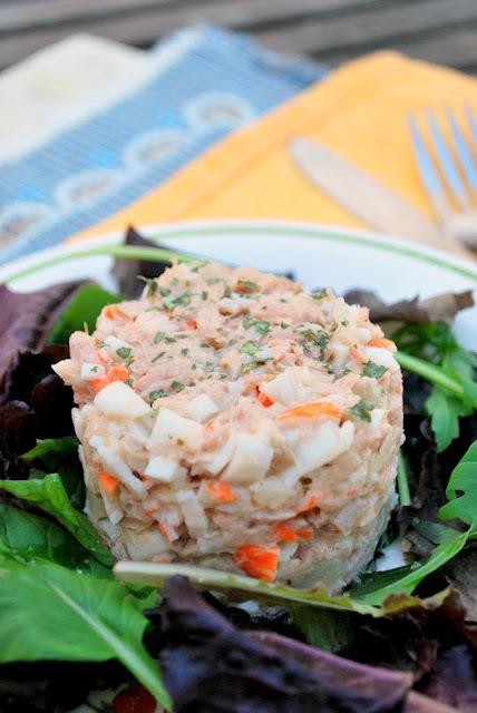 """ensalada """"tropical"""" de atún y surimi"""