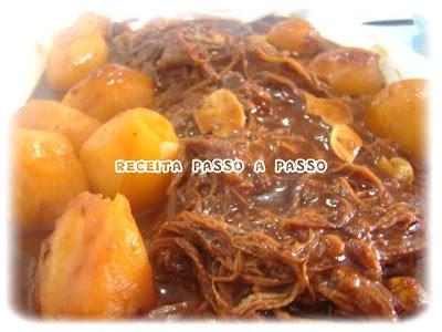 Maminha em Molho de Cerveja Preta com Batatas e Champignons / Rump-Tail in Black Beer Sauce with Potatoes and Champignons