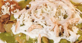 Como preparar chilaquiles verdes con pollo